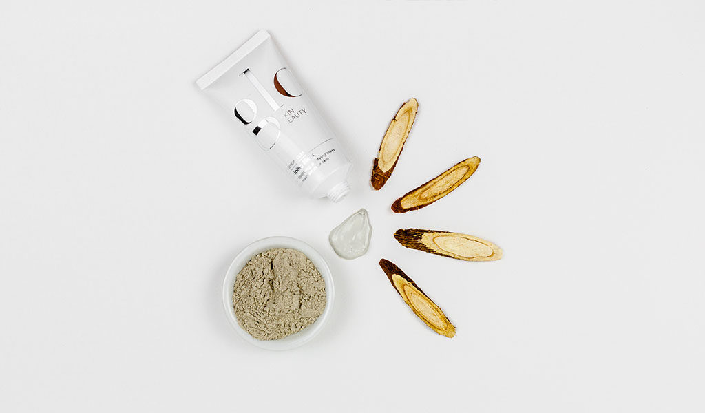 Refining Mask with Clay and Licorice Root ingredients