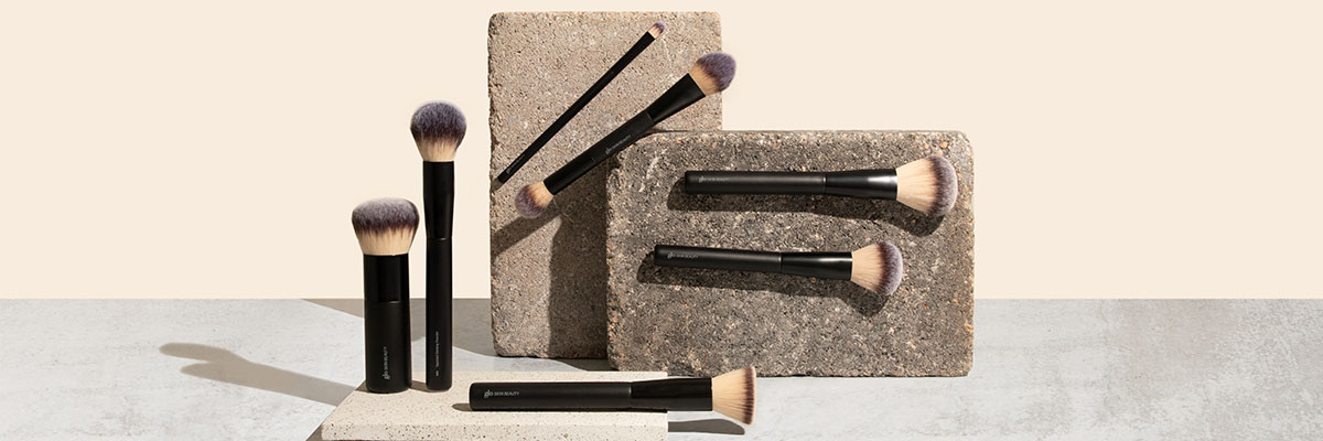 The Best Makeup Brushes To Use With Mineral Foundation